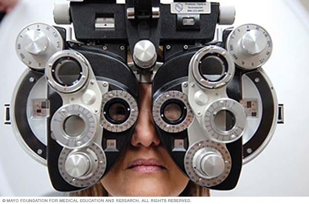 aparato para medir la tension del ojo