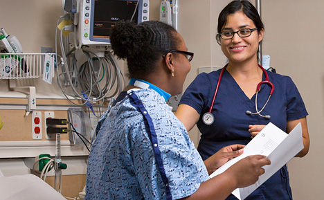 Photo of a Mayo Clinic nurse with a patient