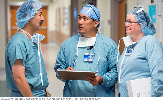 Heart transplant team discusses a treatment plan