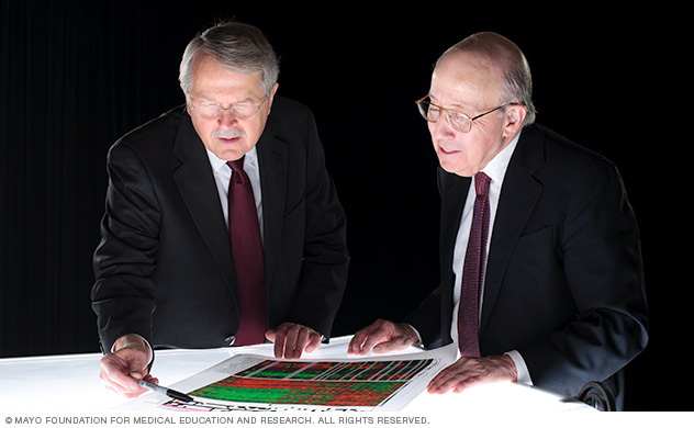 Image of Physicians analyzing a genetic test