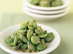 Fava beans with garlic