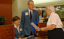Photo of Mayo Clinic volunteers at an information desk