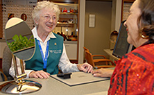 Photo of Mayo Clinic volunteer working in the optical shop