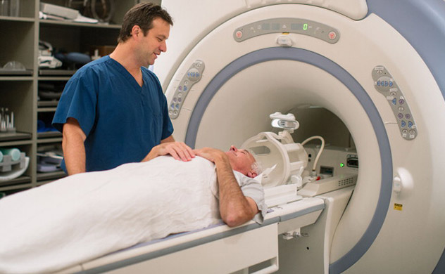 A person has an MRI conducted.