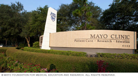 Entrance to Mayo Clinic's campus in Florida